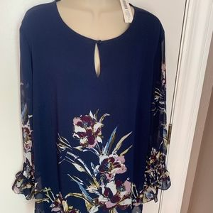 New with tags Chico's floral print blouse